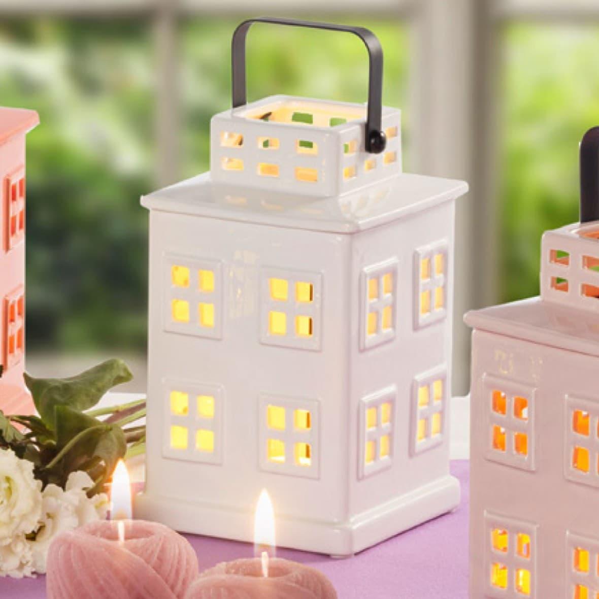 Декоративный фонарик Молочный домик 21 см