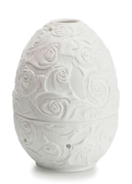 Фарфоровая  шкатулка Яйцо с подстветкой, Роза