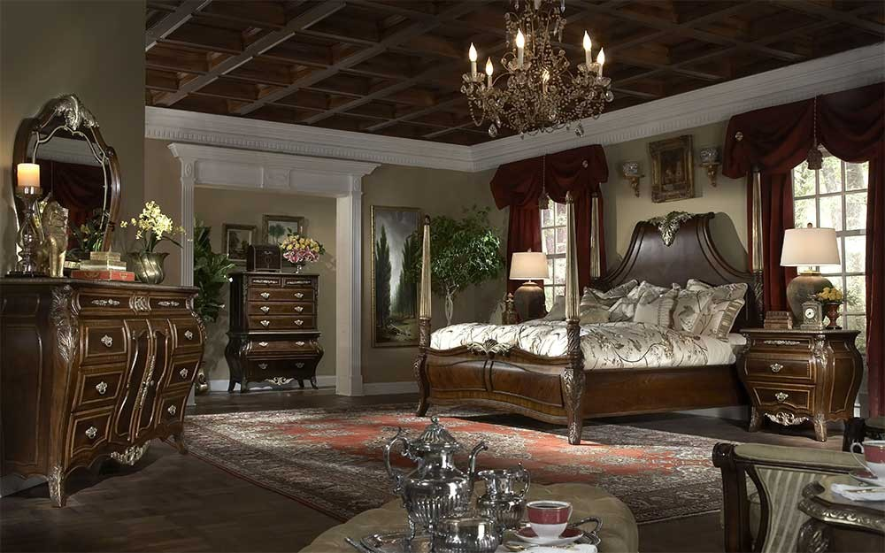 Кровать с декоративной панелью Размер Cal King
