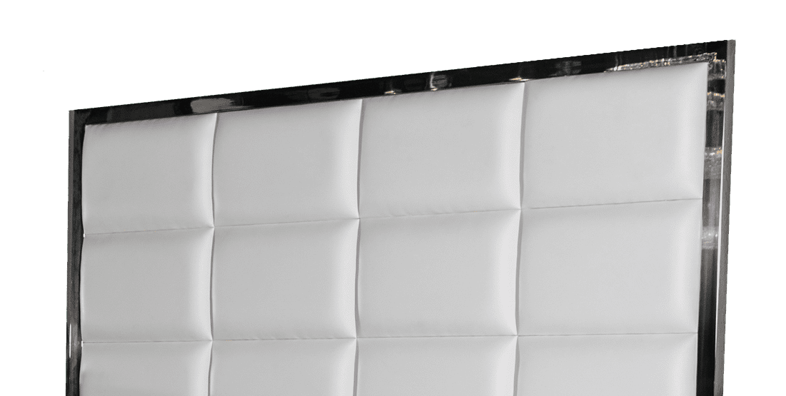 Кровать с отделкой из кожи и металла, размер Queen