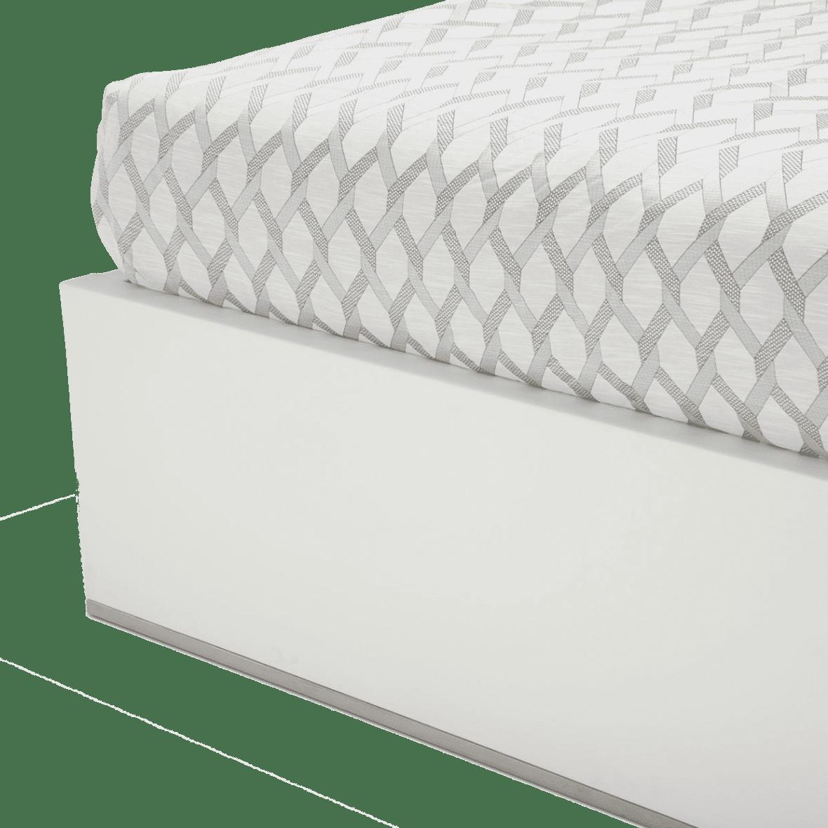 Кровать с кожаной обтяжкой, размер Queen