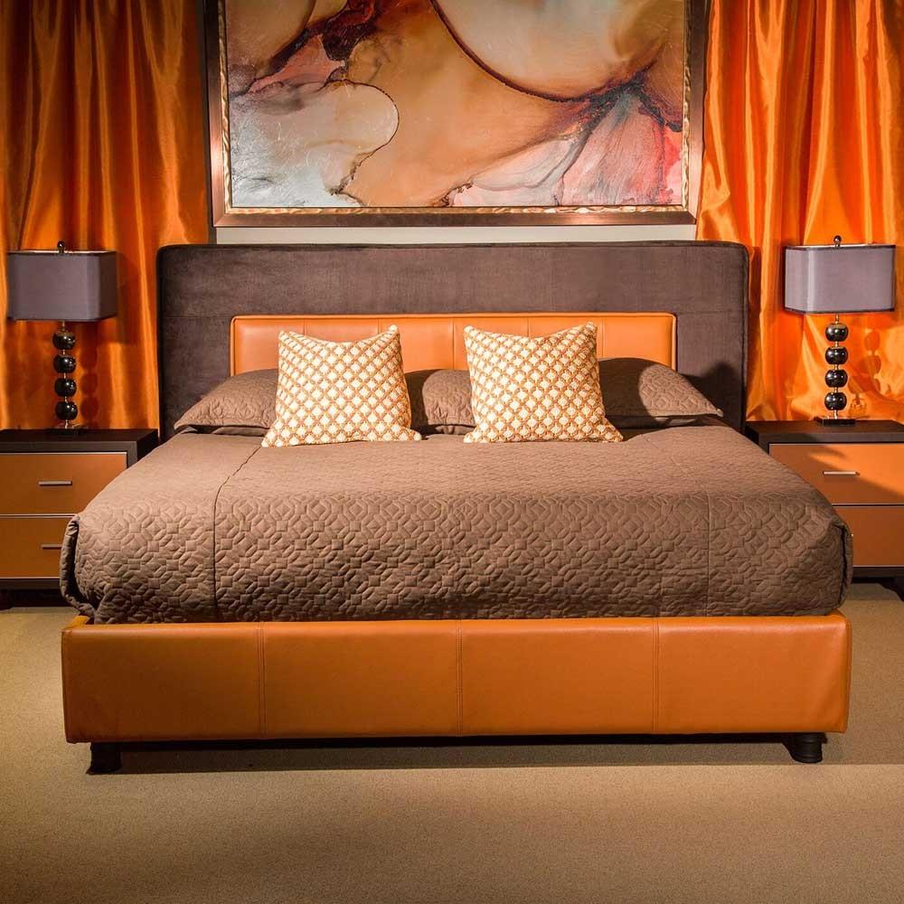 Кровать со стеганым изголовьем  Размер Cal.King