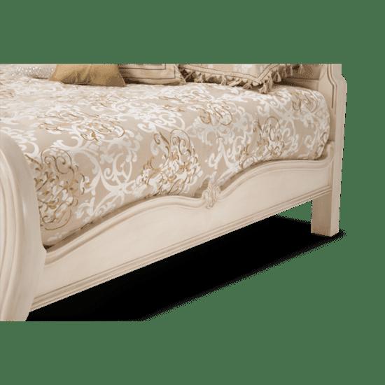 Кровать с пуф-панелью Размер Queen