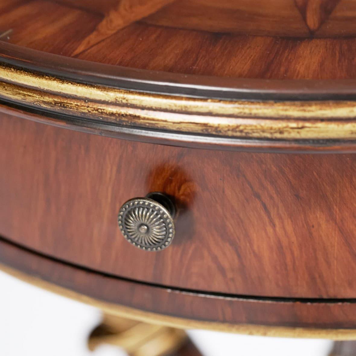 Декоративный столик Ричмонд
