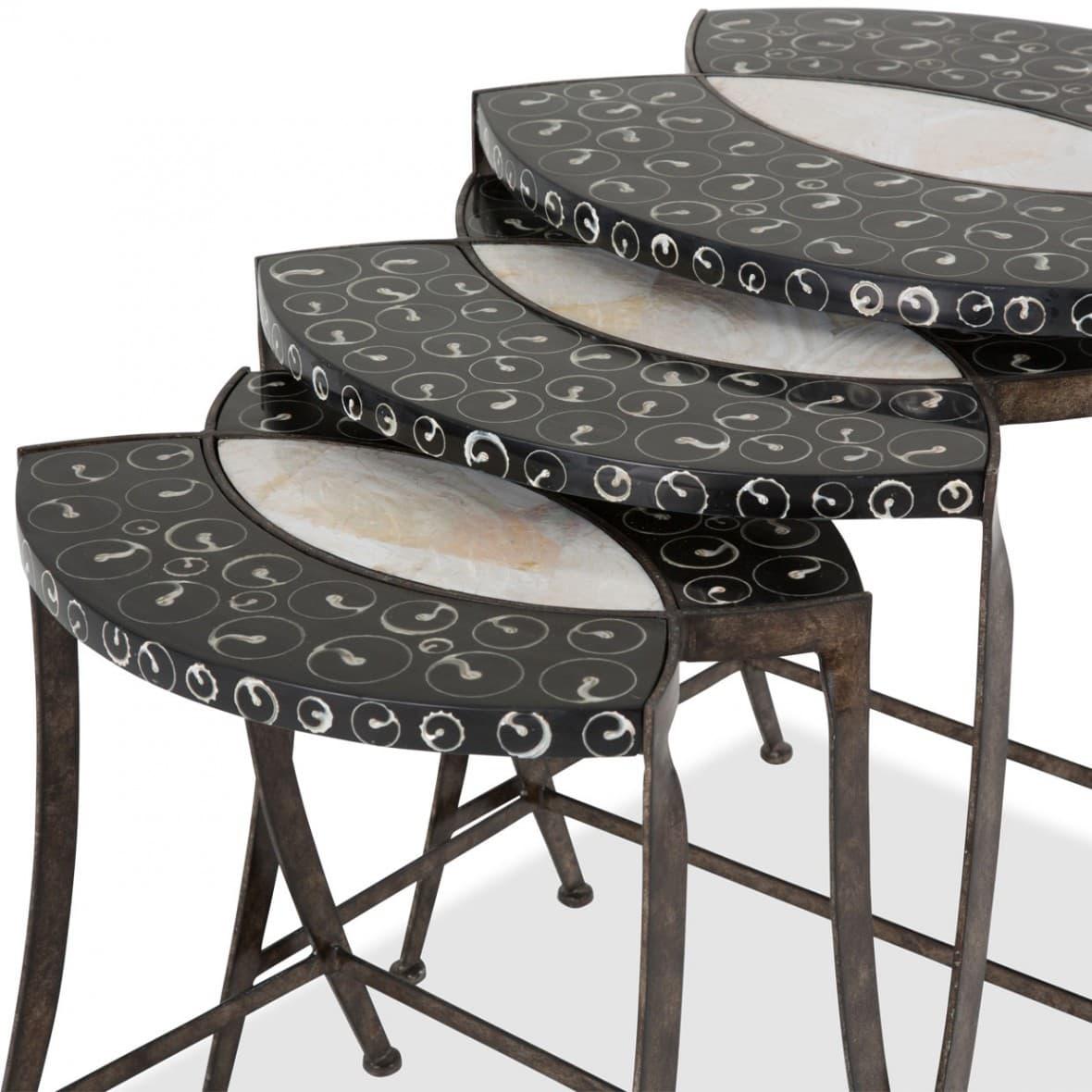 3 столика с отделкой перламутром и срезами раковин
