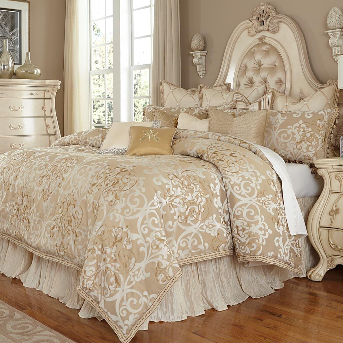 """""""Luxembourg"""", Декоративное покрывало и подушки (Queen)"""