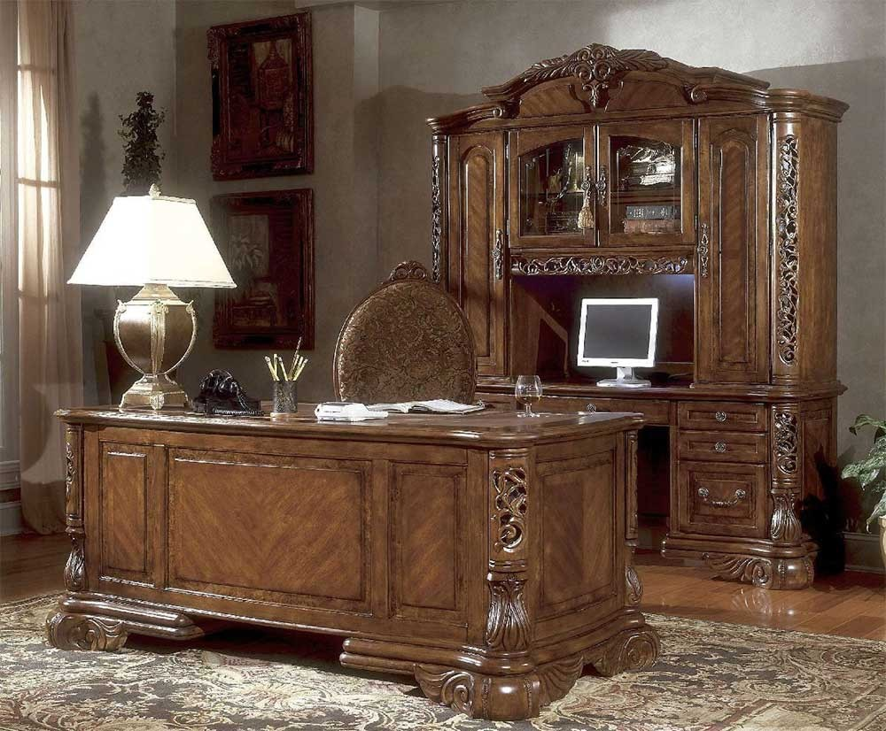 Стол кабинетный с покровным стеклом
