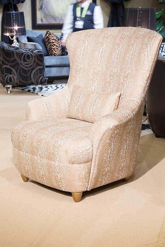 Кресло с высокой спинкой Cashe