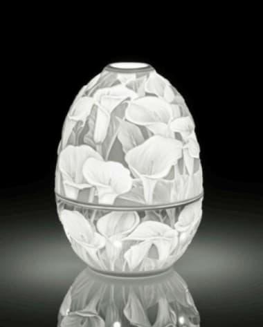 Фарфоровая  шкатулка Яйцо с подстветкой, Калла