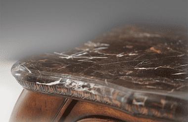 Камин с мраморным топом