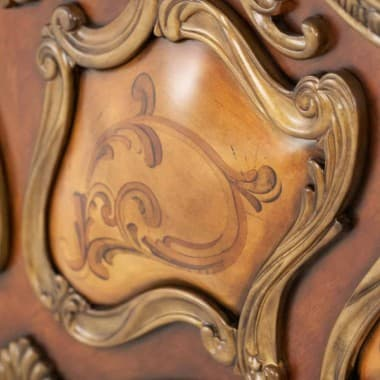 Кровать с декоративной панелью Размер Queen