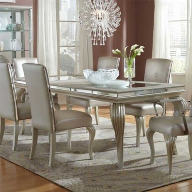 Обеденный стол со стеклянными вставками