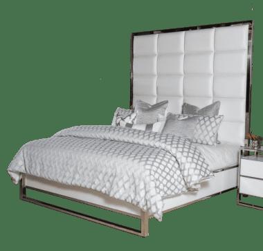 Кровать с кожаной обтяжкой на декоративной стальной спатформе, размер Eastern King