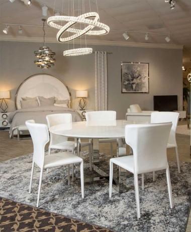 Круглый обеденный стол с мраморным верхом
